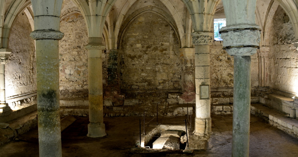 Crypt Abbaye Royale Vendee
