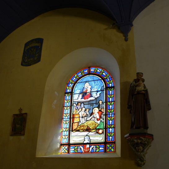 Stain glass window of the Chapelle de la Brossardiere