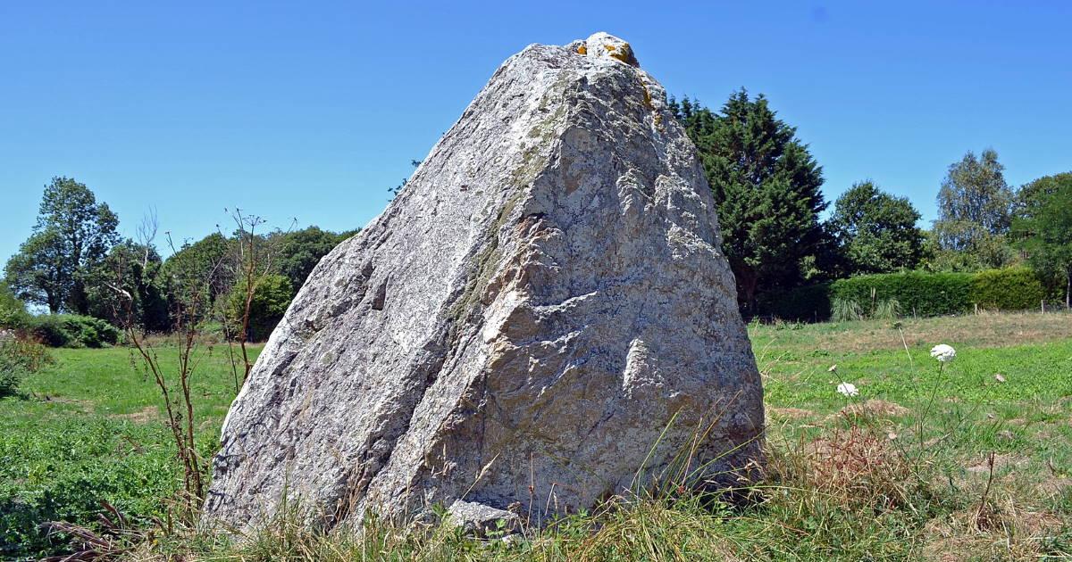 Menhir de la Cruliere Vendee